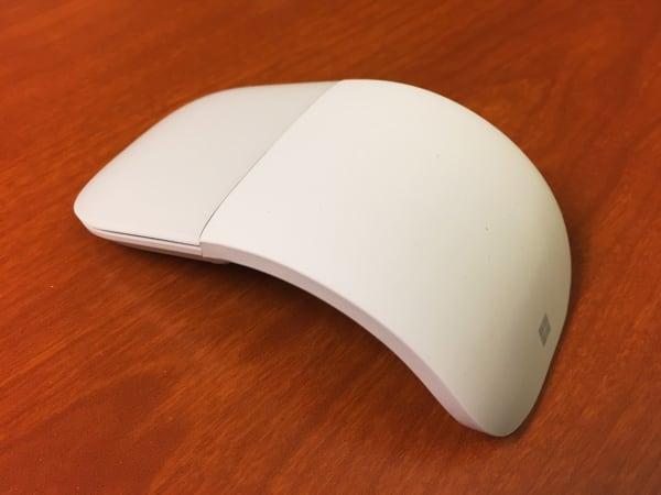 Surface Arc Mouse (使用時)