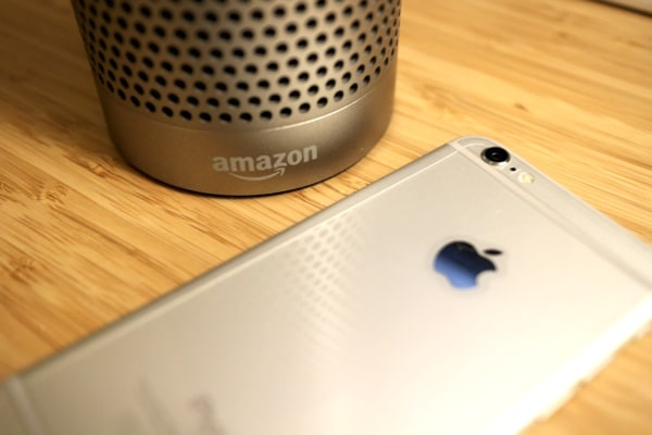 AmazonEchoAndSmartPhone
